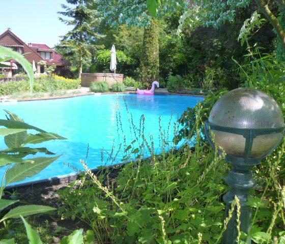 Zwembad blauw water