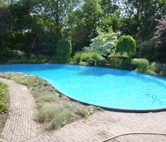Zwembad vorm Zwaag