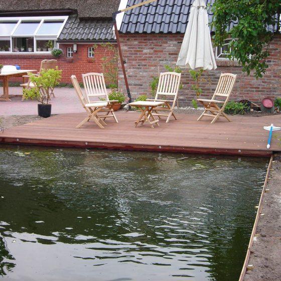 vlonderterras met zwemvijver