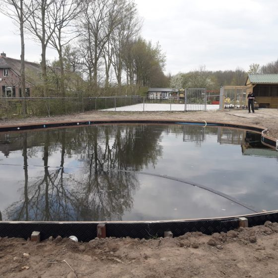 aanleg zwemvijver camping Sint Jansklooster